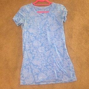 lululemon pima cotton paisley v neck tee